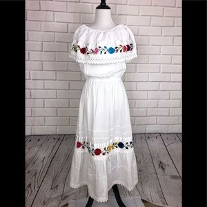 Vintage Mexican Wedding Dress sz S/M floral tiered